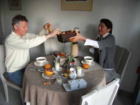 le petit déjeuner dans l'intimité de la chambre d'hôtes